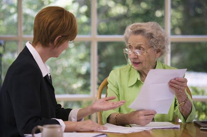Срочный трудовой договор с пенсионером: образец бланка